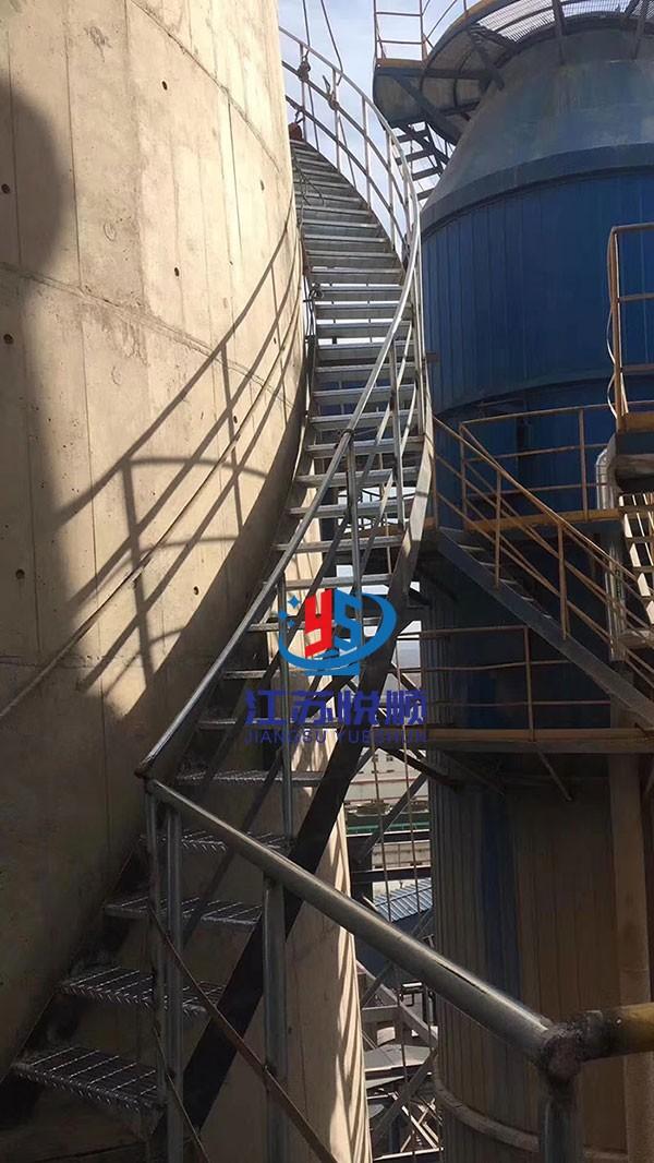 烟囱安装旋梯及检测平台