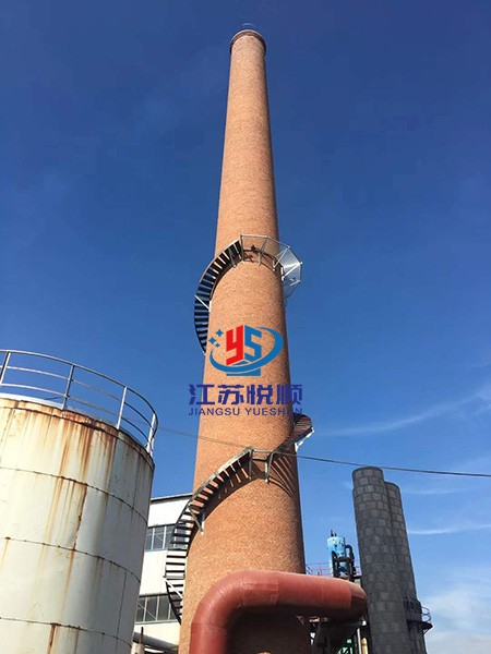 砖烟囱安装爬梯护网