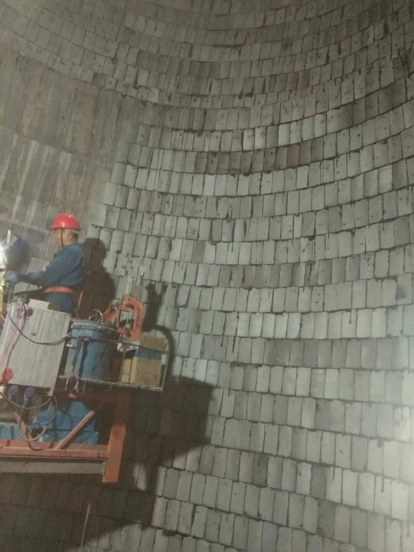 烟囱内壁贴泡沫玻璃砖