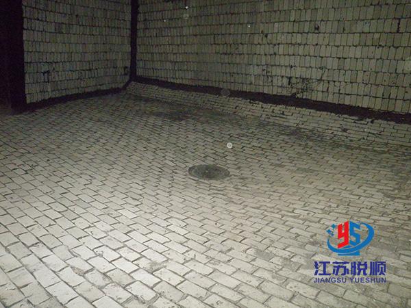 烟囱轻质玻化陶瓷砖防腐(图1)